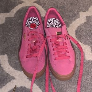NWT pink puma basket platform trace sneakers